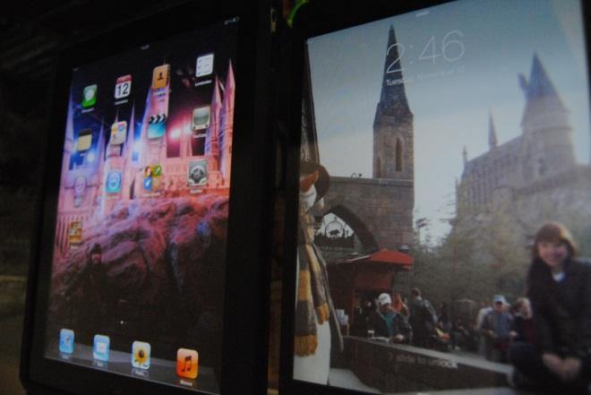 todo mundo já notou que tanto o iPad quanto o iPad mini tem Hogwarts como plano de fundo? xD