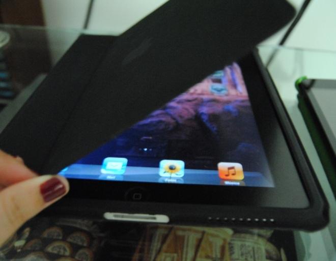 a capa emborrachada da Apple: eu não entendo porquê eles pararam de fazer essas capas pros iPads em seus diversos modelos