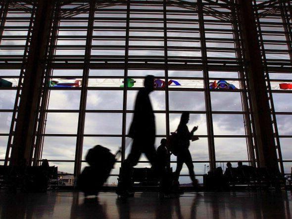 size_590_pessoas-aeroporto1